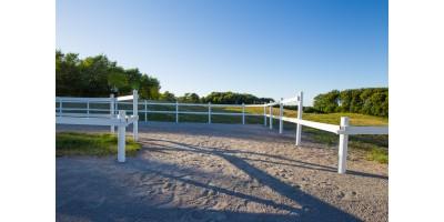 Ridebane hegn